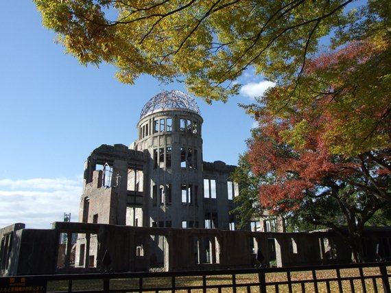 【原爆ドーム】市街地には未だに被ばく建物が現存します。ぜひ探してみて下さい♪