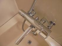 バスルームの混合栓