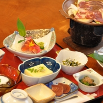*【夕食例】四季折々の味覚をお楽しみ下さいませ。
