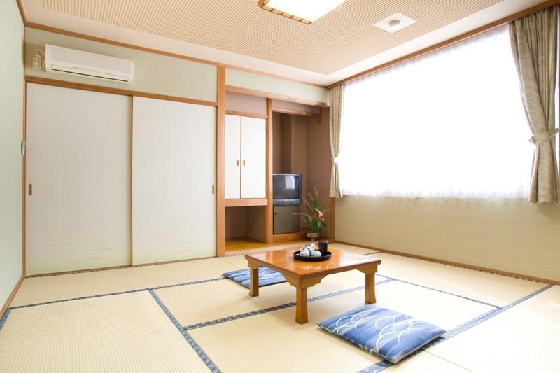 新館の和室8畳
