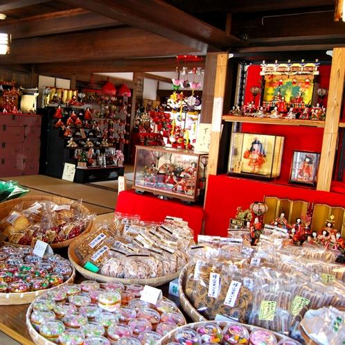 今も古い商家の町並みが残る美々津地区
