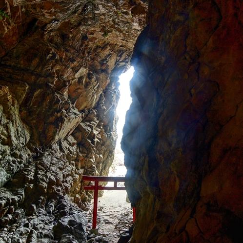 大御神社境内社の鵜戸神社の昇り龍