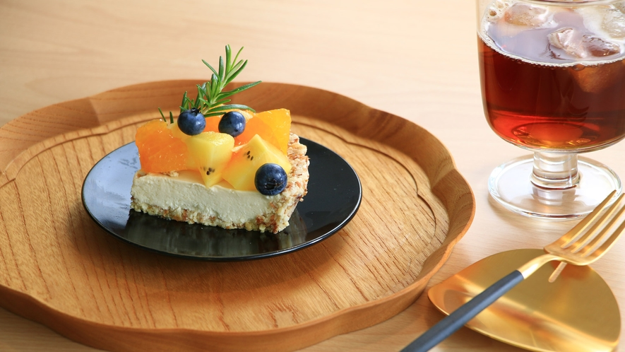 ケーキセット700円・お食事、カフェとしてのご利用もどうぞ