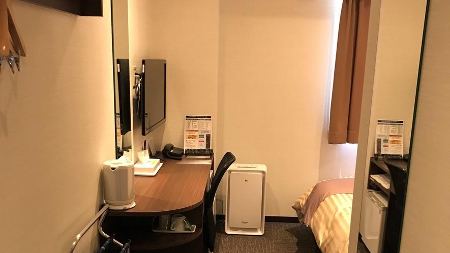 *【シングルルーム】Wi-Fi完備・ベッドはダブルで広々!快適なステイをお約束いたします。