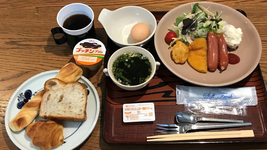 【朝食/洋食】和食か洋食をお選びいただける定食スタイルです。