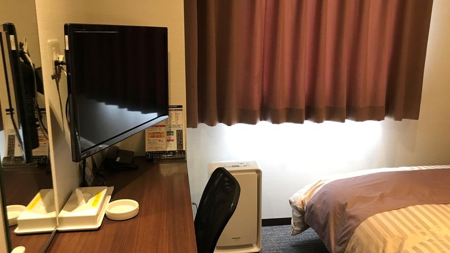 【アーム式壁掛けテレビ】ベッドで寝転がりながら、テレビを観られます!