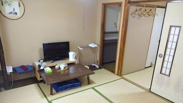 和室10畳(バストイレ共同)