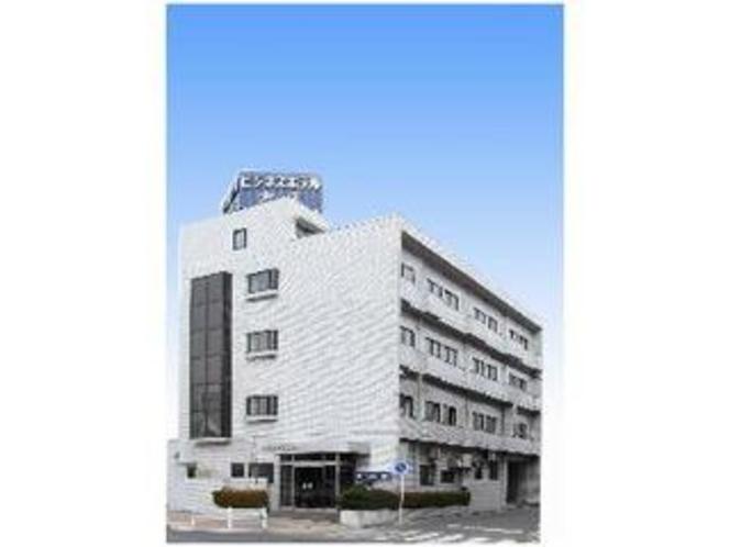 名鉄大江駅より徒歩3分。日本ガイシアリーナへは徒歩15分。2011年全館リニューアル致しました。