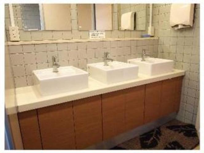 2階、共同洗面場となります。