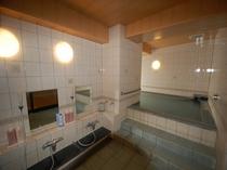 人工温泉大浴場 ※疲労回復の効能があります。