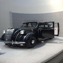 【トヨタ博物館】車で約50分。自動車誕生100年の歴代の車が展示されています。