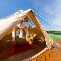 猪苗代湖の絶景を一望する屋上テラスでグランピング♪空がより近く開放的な雰囲気にテンションも上がります