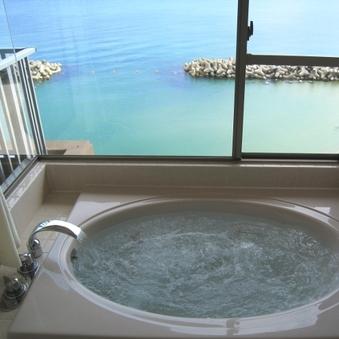 (和室10畳)日本海を一望!展望ジャグジーバス付客室