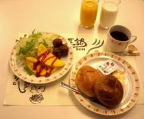 【朝食盛り付け例(洋食)】