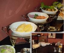 【朝食】2階レストランにてセルフスタイルメニュー(1食300円)OPEN6:30〜CLOSE9:30