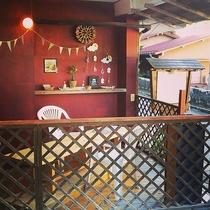 旅館の片隅に手作り感満載の休憩スペース「レインボーカフェ」作りました♪