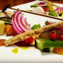 *彩り鮮やかな旬の料理.jpg