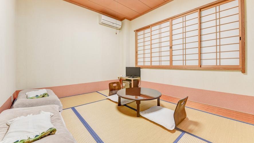 *和室6畳/畳の香りがほのかに薫るお部屋で寛ぎの休日を。ご夫婦やカップルでのご宿泊にピッタリ!