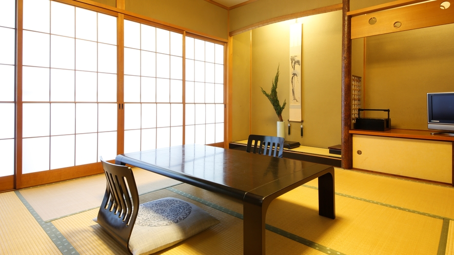 【お部屋】ゆったりと過ごせる昔ながらの和室8畳(2~4名)