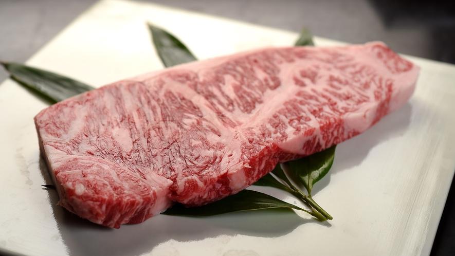 【国産黒毛和牛ステーキ】