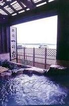 天橋立を一望し旅情緒満点の露天風呂