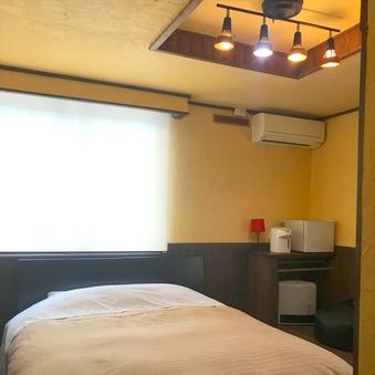 Room05-ダブル・洋室【禁煙】