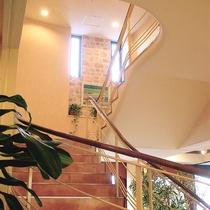 館内イメージ:自然光を取り入れた明るい空間