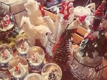 【カフェのグッズ販売コーナー】かわいいクリスマス雑貨も揃っています♪