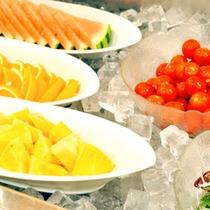 フレッシュフルーツ&サラダ『サマーバイキング』