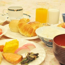 【朝食バイキング】朝からしっかり食べて、元気に一日を!