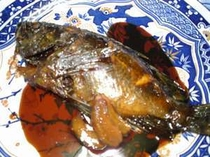 その日に採れた地魚「メバル」の煮つけ