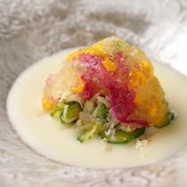 【懐石一例】湯布院の旬を感じてもらうお料理。