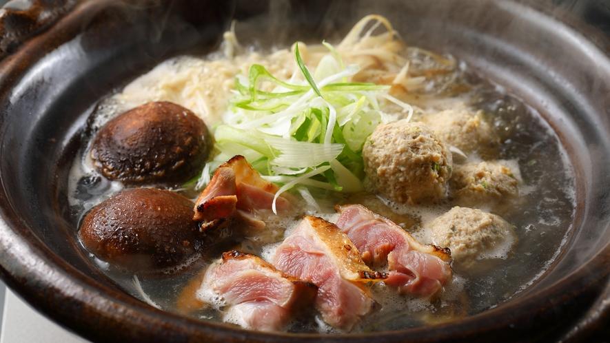 【懐石一例】大分産の軍鶏を使った鍋。