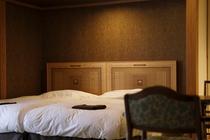 水戸岡氏デザインのベッドルーム