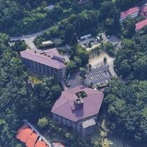 上空からの外観写真