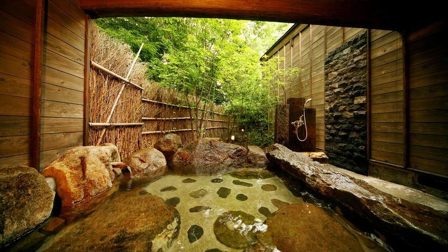 ◆貸切野天風呂◇つりばな◆2タイプある野天風呂で、大事な方とのプライベートな癒しの「ひと時」を