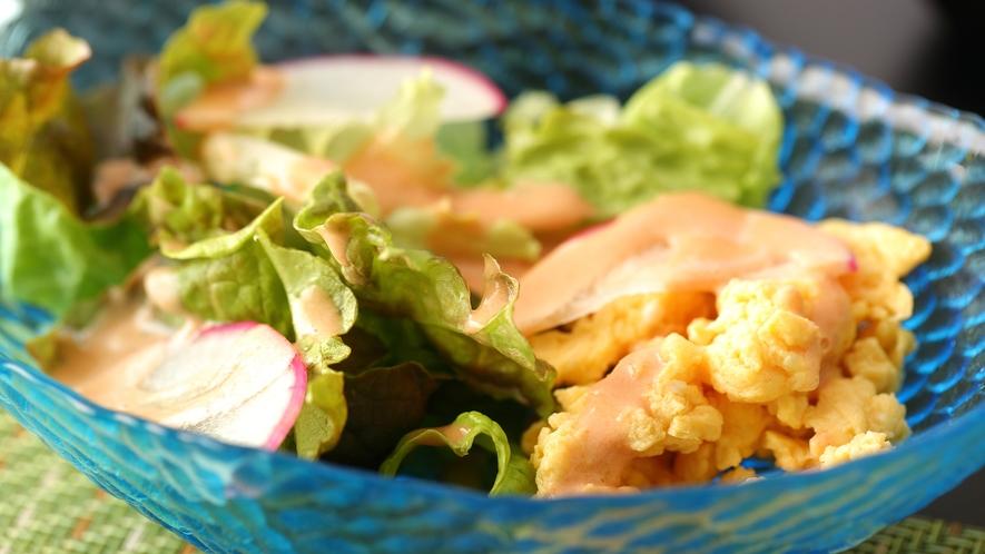◆ご朝食 サラダ◆鮮度にこだわって、地場の食材をお出ししております