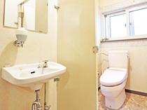 【トイレ】女性用の共同トイレです