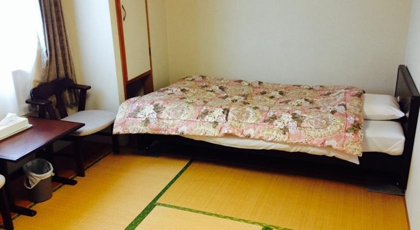 和室8畳(禁煙)※ベット付の和室です