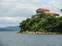 汐香る海沿いのホテル