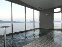海の見える展望浴場