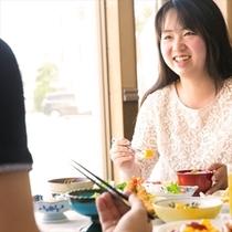 温かいものは温かく、冷たいものは冷たくの心配りのお食事をお楽しみください。