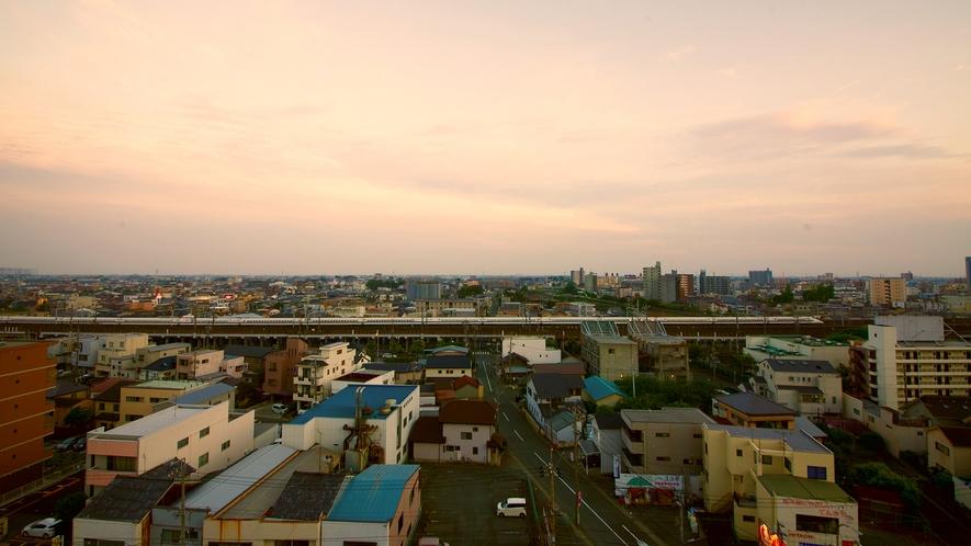 新幹線が見えるお部屋も♪浜松駅徒歩圏内