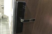 【エグゼクティブフロア】部屋ドア(デジタルロック)