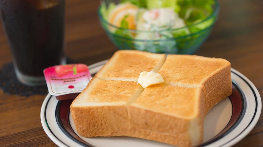 朝食一例◇トースト(サラダ付)◇