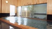 *男性大浴場「出世の湯」浴室