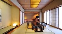 *和室【ソファー付】/広さは和室48平方メートル、バス・トイレ付です。