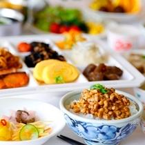 【朝食】和食派の方はご飯・納豆・お魚・お漬物などご用意しております♪(写真はイメージです)