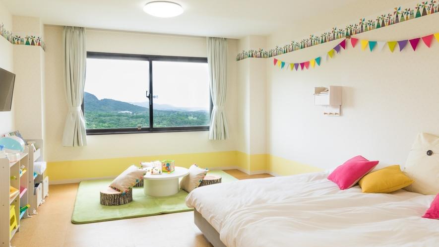 【キッズルーム】小さなお子様連れに嬉しいキッズルーム♪ベッドも広々で安心です!