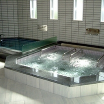 *温泉棟・トルマリン鉱石ジェット寝湯